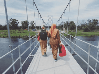 Jembatan Gantung Sungai Cisawarna