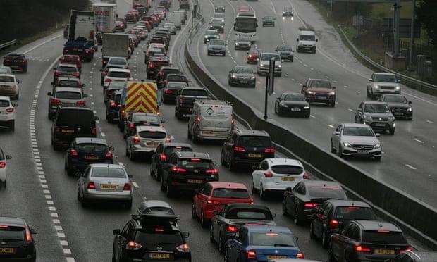 Circulation sur la M25 à Surrey Photographie