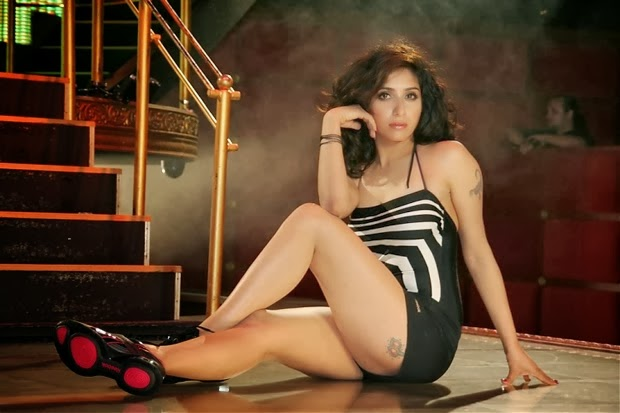 Bollywood Actress Neha Bhasin Latest Hot Stills Navel Queens