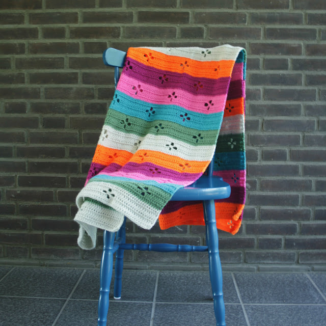 Crochet blanket, call the midwife crochet blanket. Funky 50's blanket by Happy in Red