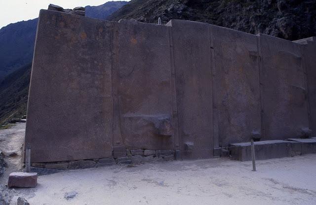 mur aux six monolithes Ollantaytambo