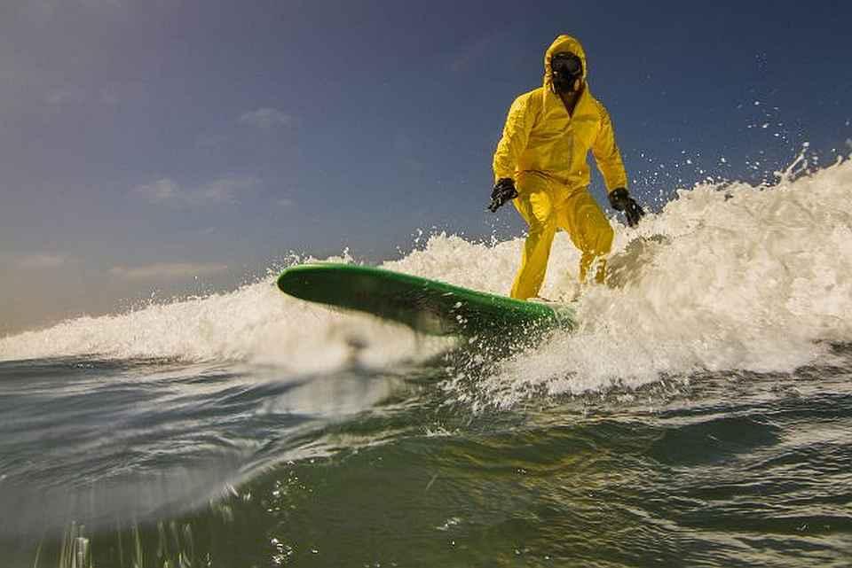 coronavirus surfer