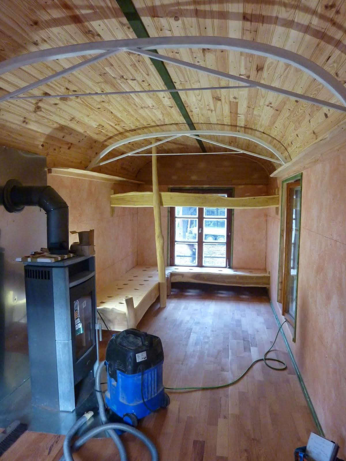 ein neuer wagen f r den waldkindergarten oktober 2014 kurz vor der fertigstellung. Black Bedroom Furniture Sets. Home Design Ideas