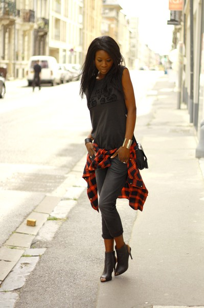 Tendance grunge : la chemise à carreaux - Styles by Assitan. Blog mode. French style blogger