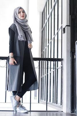 cewek cantik mahasisiw ke kampus pakai hijab