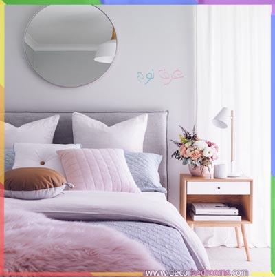 سرير نوم مرتب بطريقة أنيقة