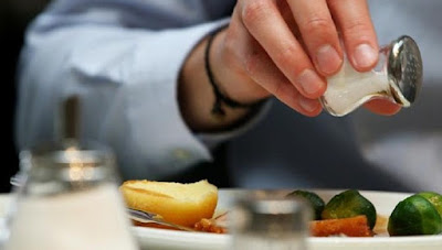 Bahaya Terlalu Banyak Mengkonsumsi Garam Atau Makanan Asin