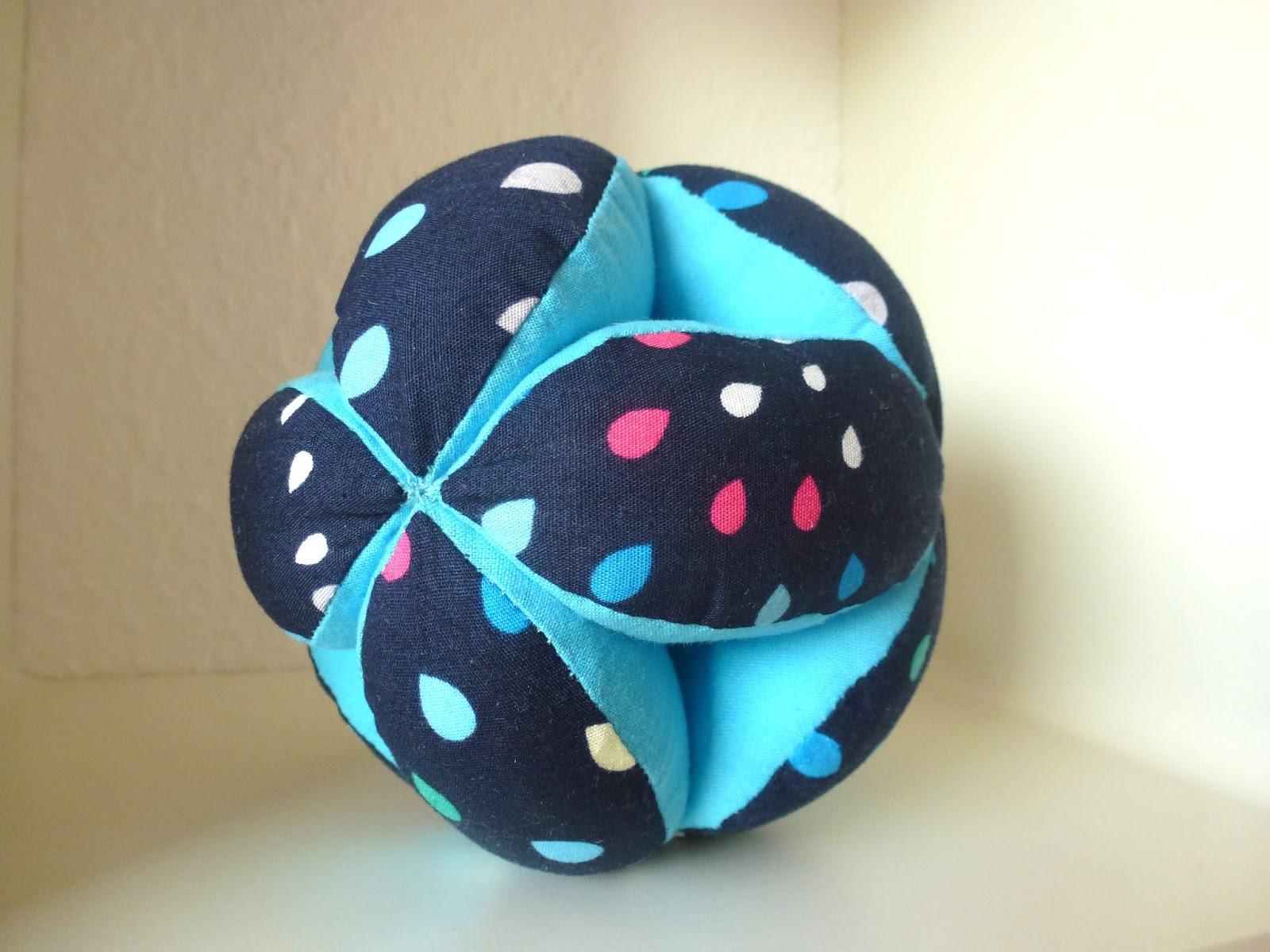 Telani Design: Babyspielzeug nähen - Greifball
