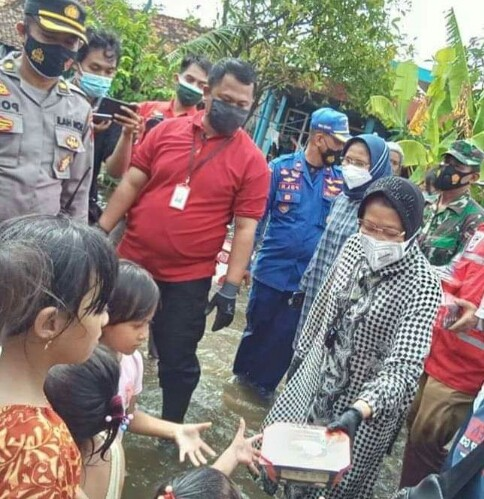 Blusukan Menteri Sosial ke Kabupaten Demak Tinjau Langsung Kondisi Banjir