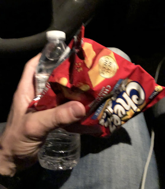 A couple handed out snacks and drinks to people sitting in traffic for 5 hours