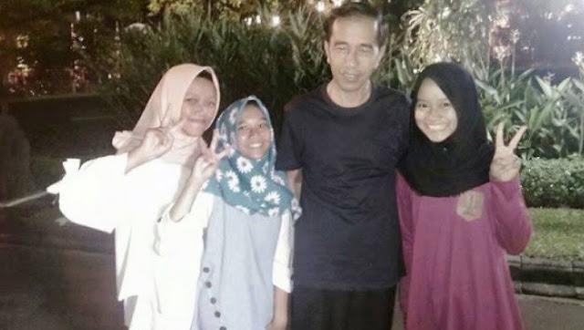 Politisi Demokrat: Jokowi Sedang Galau, Seperti ABG yang Mau Putus Cinta