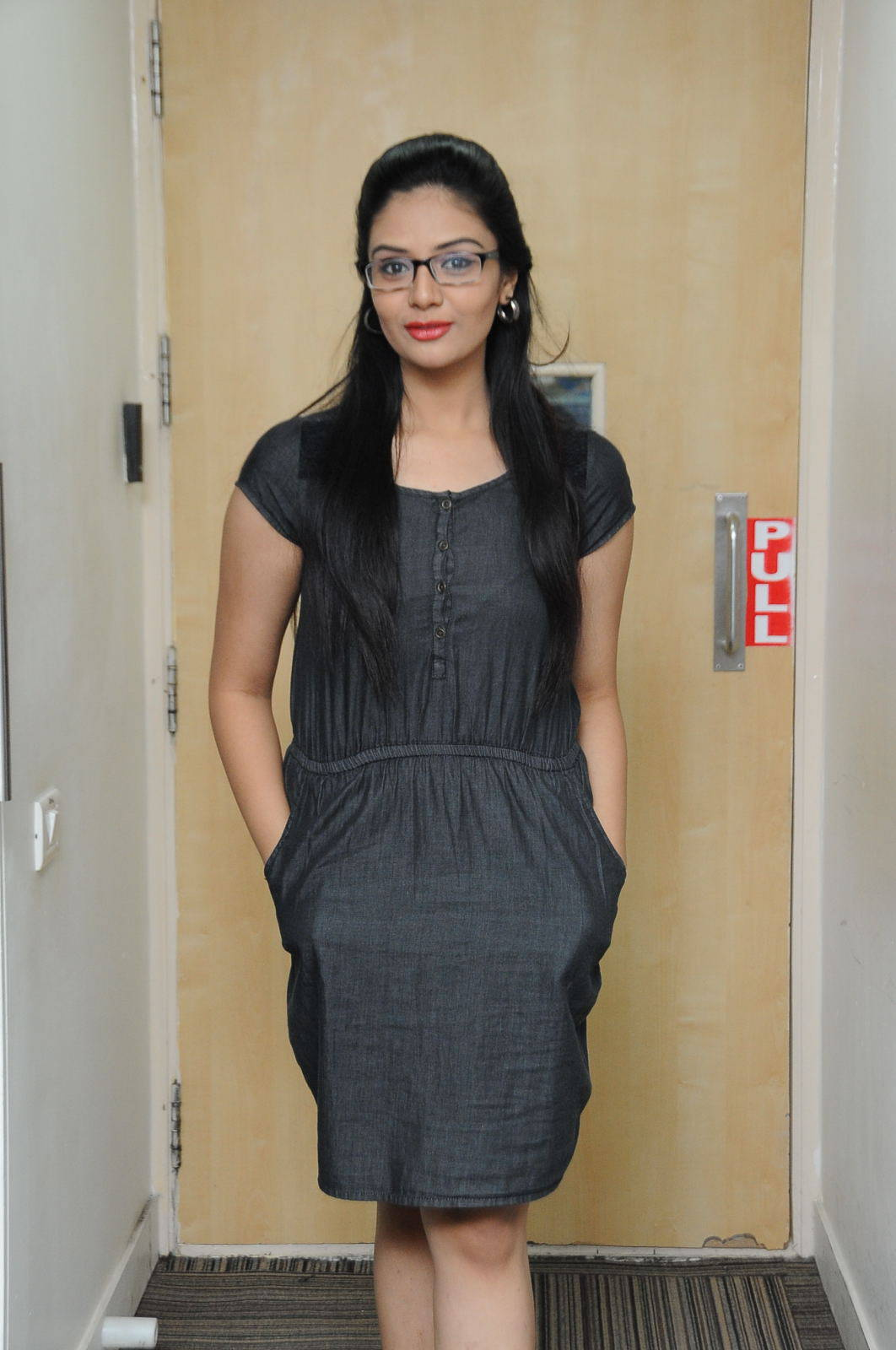 TV Sreemukhi Photos In Black Dress With Glass