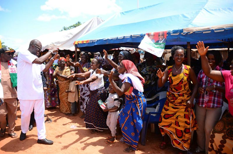 Women cheer Edo PDP guber candidate as he campaigns in Etsako East