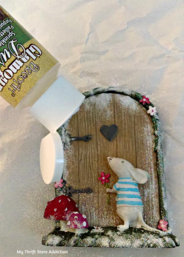 miniature Christmas vignette