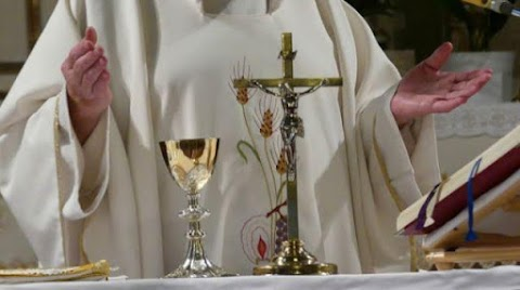 Com 21 padres mortos e 347 infectados pela covid-19, igreja católica aponta os desafios em sua reabertura