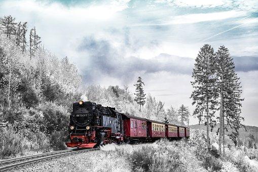 القطار يعانق الثلج