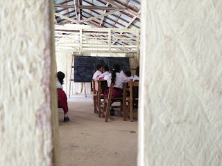 Mohon Bantuan fasilitas sekolah
