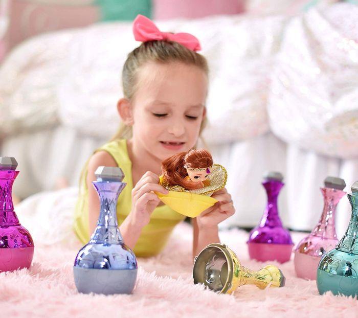 Кукла джинн из бутылки Genie Surprise doll