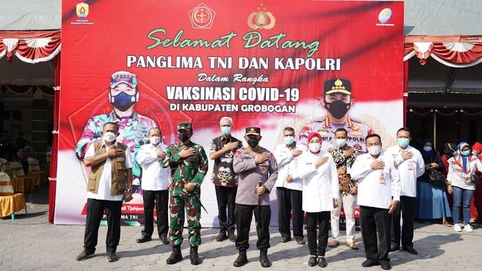Panglima TNI, Kapolri dan Kepala BNPB Cek Pelaksanaan Vaksinasi di Grobogan