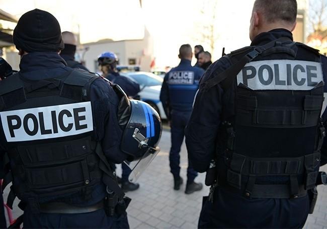 Palavas-les-Flots (Hérault) : cinq voyous partent sans payer et blessent un bébé au couteau