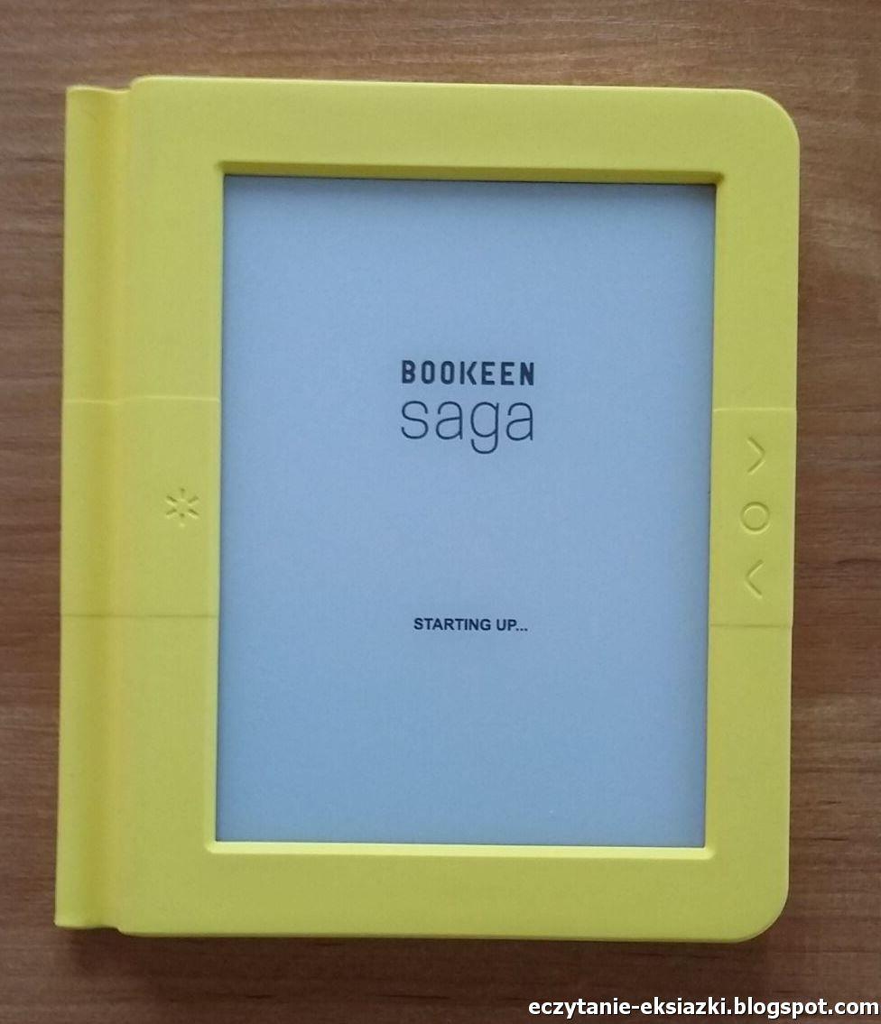 Czytnik Bookeen Saga wyposażony jest w fizyczne przyciski: dwa służące do zmiany stron, przycisk menu oraz wyłącznik podświetlenia