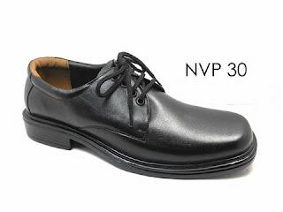 bikin sepatu merek sendiri