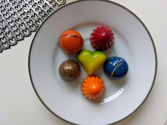 What to eat in Bergen: chocolates featuring Norwegian fruit flavors