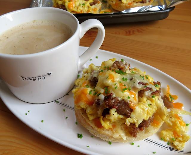 English Muffin Breakfast Pizza