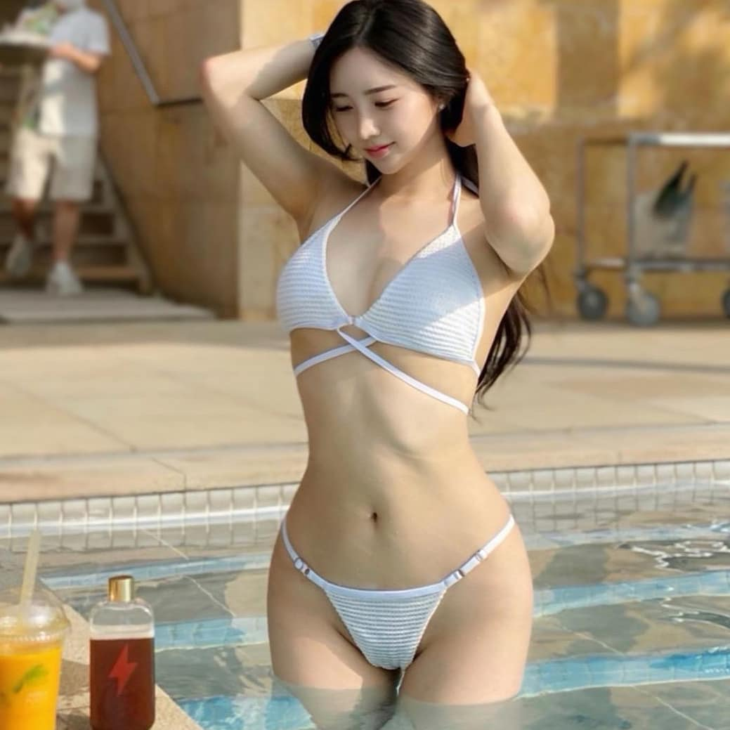 Asian Girl Library No.358 | | Anh Blogger