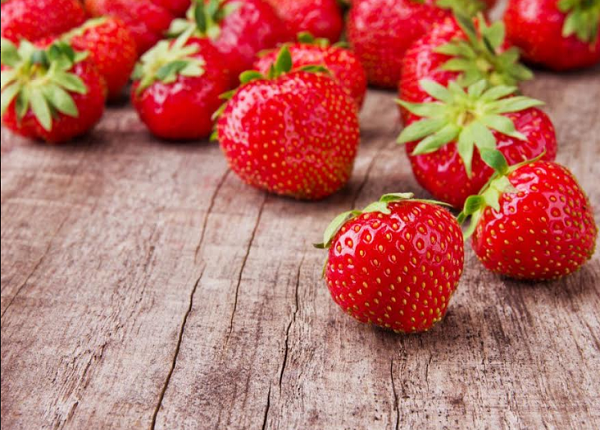 What are the benefits of strawberries for the body ?