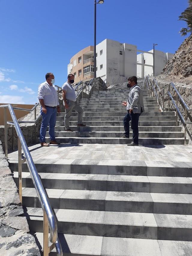 Fuerteventura.- Pájara construye una escalera para mejorar la accesibilidad en el Barranco del Ciervo