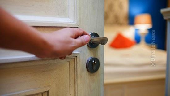 informativo jurisprudencia tese hospedagem condominio residencial