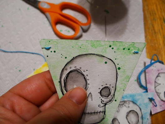 Easy Watercolor Skull Pennants