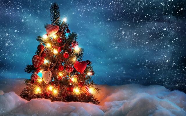 christmas wallpaper with christmas tree