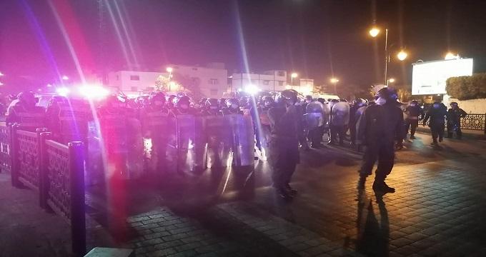 إصابة 17 موظفا للشرطة و11 عنصرا من القوات العمومية و السلطات الأمنية توقف 17 شخصا متورطا في حرب عاشوراء