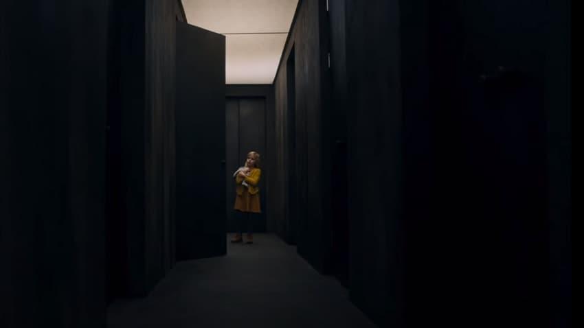 В трейлере хоррора «Ты должен был уйти» Кевина Бейкона мучают призраки