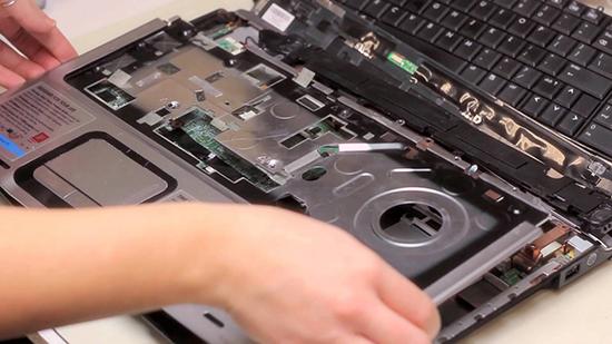 jasa perbaikan laptop surabaya, jasa service laptop toshiba, servis laptop sidoarjo