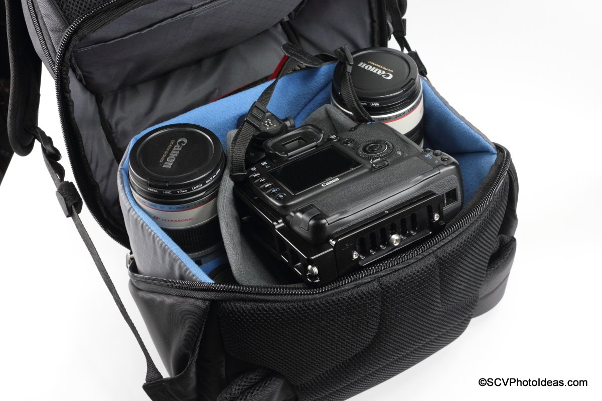 Case Logic DSB-103 main compartment w/ gripped large size camera