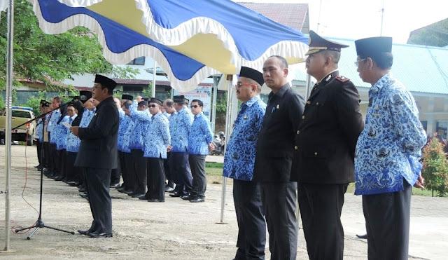 Bupati Sekadau Rupinus,SH.M.Si, sebagai infektur upacara memperingati Hari Sumpah Pemuda ke 89.