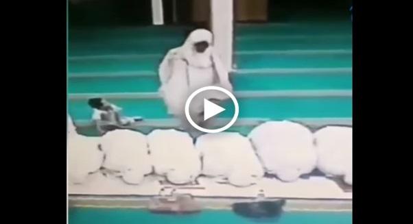 Video Aksi Terkutuk Lelaki Mencuri Dalam Masjid Jadi Viral