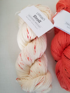 Stroll Yarn Peach Speckle