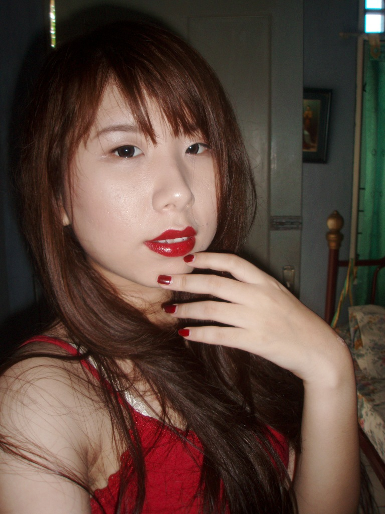 Review : NYX Round Lipstick in Snow White - Claren