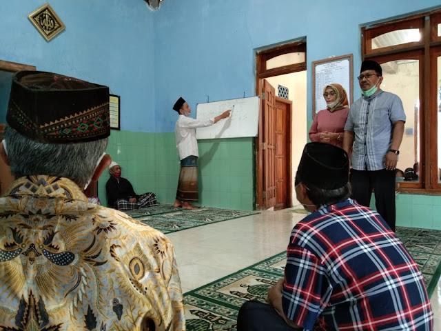Mengintip Uniknya Aktifitas TPQ Khusus Lansia di Lereng Merapi