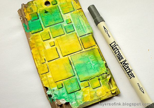 Layers of ink - Mixed Media Squares Background Tutorial by Anna-Karin Evaldsson. Add shading with a Distress Marker.