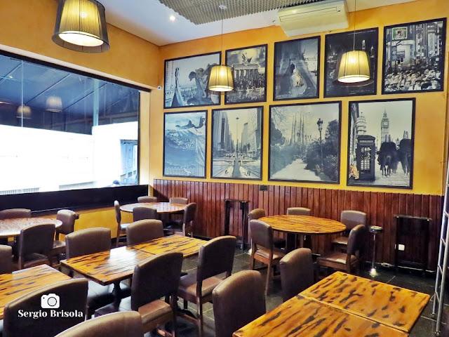 Vista do interior do Bar da Dona Onça - República- São Paulo