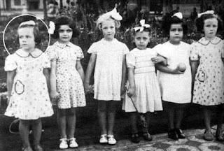 Alejandra Pizarnik en su niñez