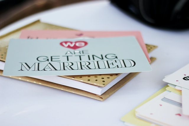 Easy and No Complicated, Here's How to Make Your Own Wedding Invitations