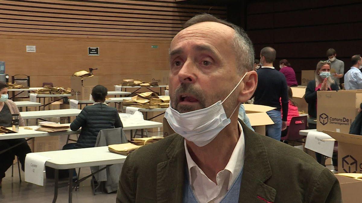 Béziers : Distribution de masque! L'action (exemplaire) de Robert Ménard fait grincer des dents
