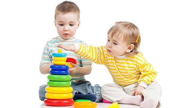 نصائح ذهبية لتربية طفلك مع صور توضيحية جميلة