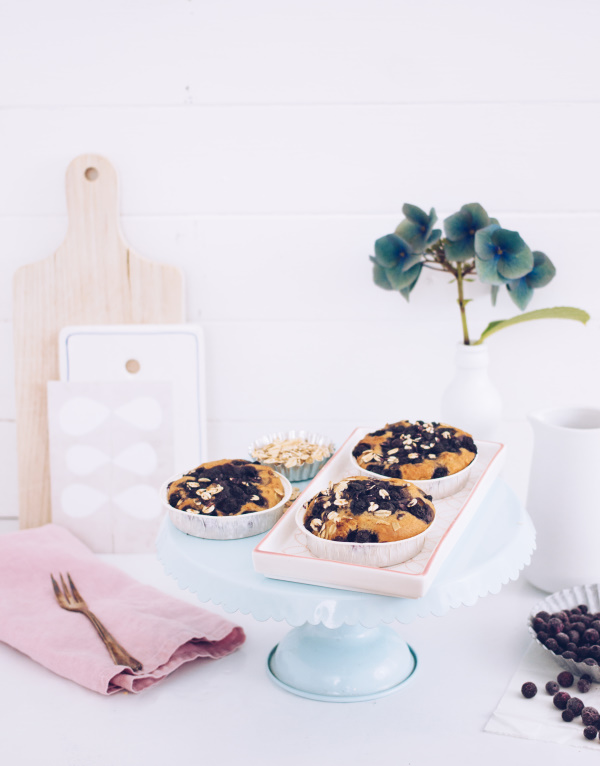 Rezept für einen gesunden Kuchen zum Frühstück oder Brunch mit leckeren Blaubeeren, ohne Zucker und Weizenmehl. titatoni.de